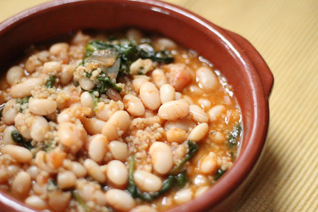 White bean soup with spinach and leaks