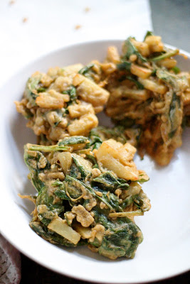 Indian vegetable pakoras from eatgood4life.com