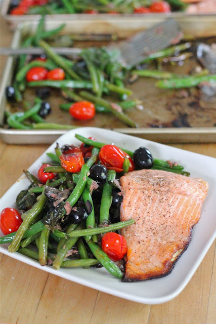 Baked salmon with green beans from eatgood4life.com
