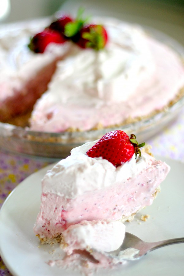 many icebox pies before but this strawberry and coconut icebox pie ...
