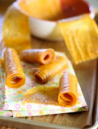 Homemade mango roll-ups: Eatgood4life.com