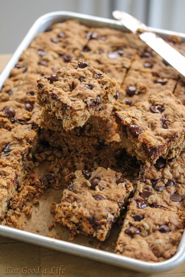 Dark chocolate and oatmeal cookie barsjpg1: Eatgood4life.com