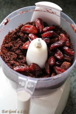 Raw chili brownies1:Eatgood4life.com