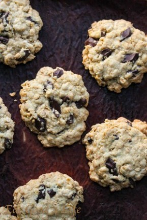 gluten free oatmeal and chocolate chunk cookies 2: Eatgood4life.com