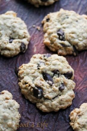 gluten free oatmeal and chocolate chunk cookies 3: Eatgood4life.com
