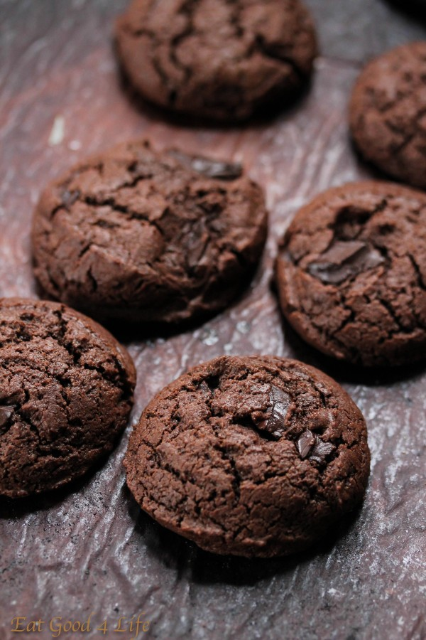 Gluten free double chocolate chunk cookies:Eatgood4life.com