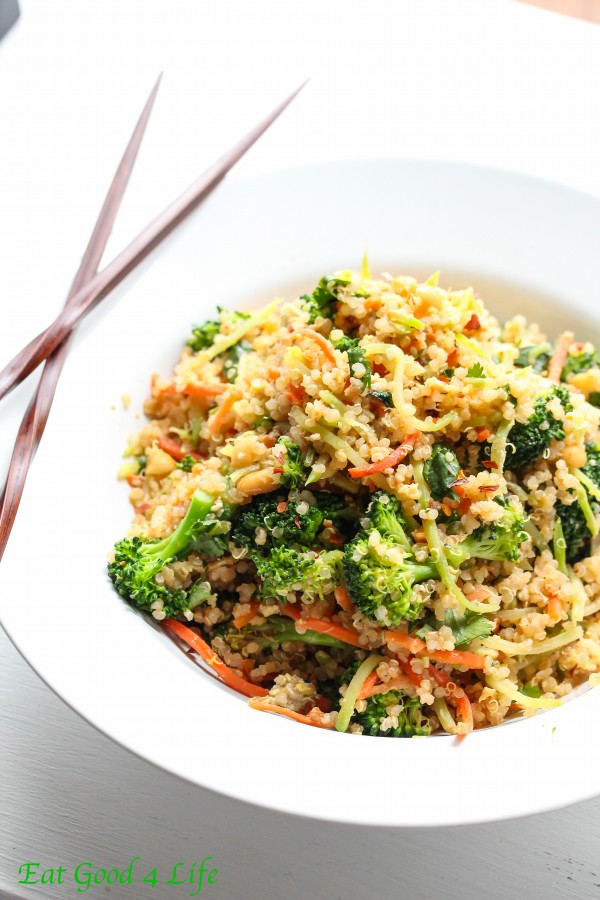 Thai Quinoa Salad -- a healthy quinoa salad recipe to enjoy this spring