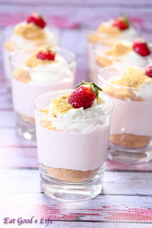 These no bake strawberry cheesecakes are not only easy to make but ...