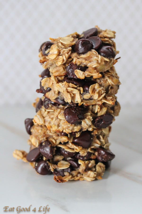 Vegan banana chocolate chip cookies