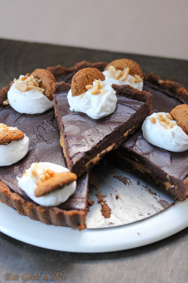 No bake chocolate and peanut butter pie