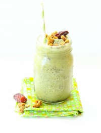 Green tea powder smoothie