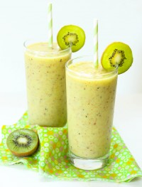 Kiwi and pineapple slushy
