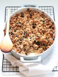 apple and blueberry crisp