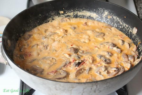 creamy-mushroom-sun-dried-sauce
