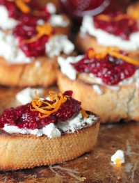 goat-cheese-crostini