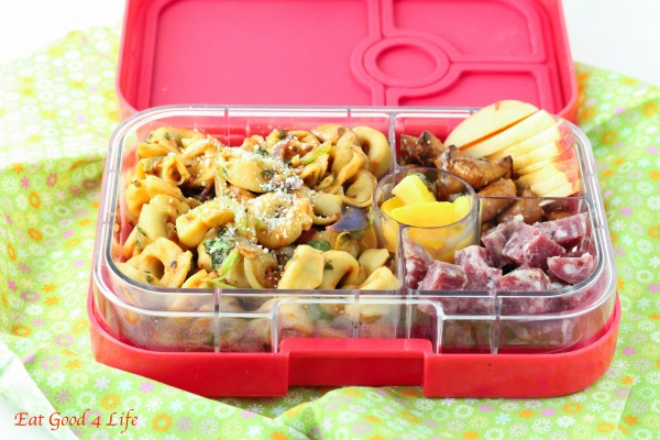 Jul 24,  · % Juice Boxes Capri Suns Bolthouse Smoothies Milk — Strawberry or Chocolate. Here are some suggestions for kids lunchbox containers: Rubbermaid LunchBox Sandwich Kit and Rubbermaid Take Alongs Food Storage Container (Set of 6) and EasyLunchboxes 3-Compartment Bento Lunch Box Containers, Set of 4. Here is a suggestion for a kids lunchbox:5/5(2).