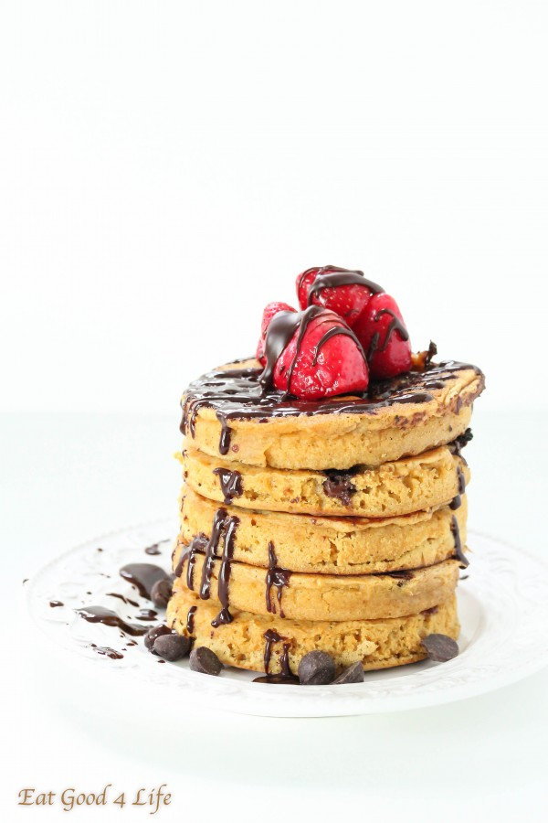 healthy pancakes recipes - whole wheat chocolate chip pancakes