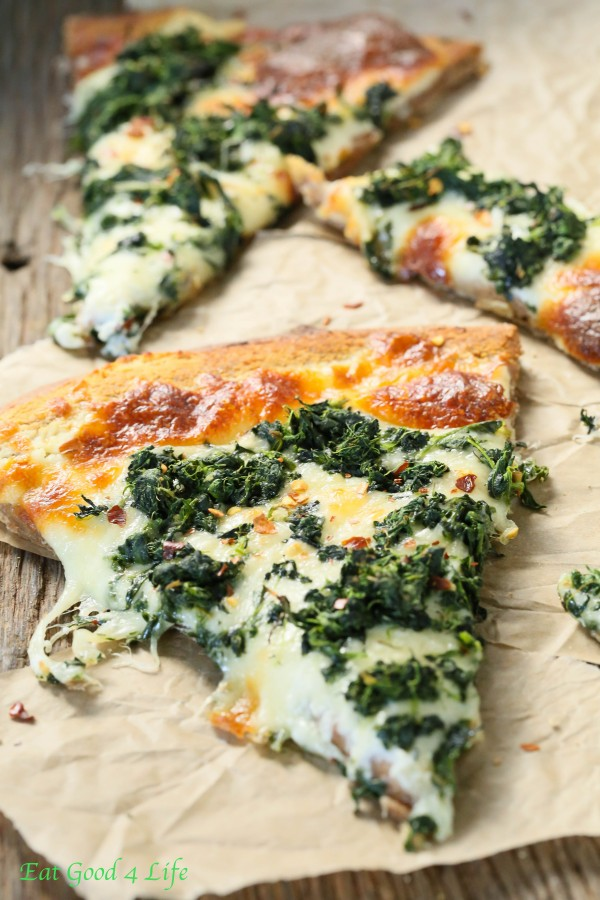 roasted garlic spinach white pizza | Eat Good 4 Life