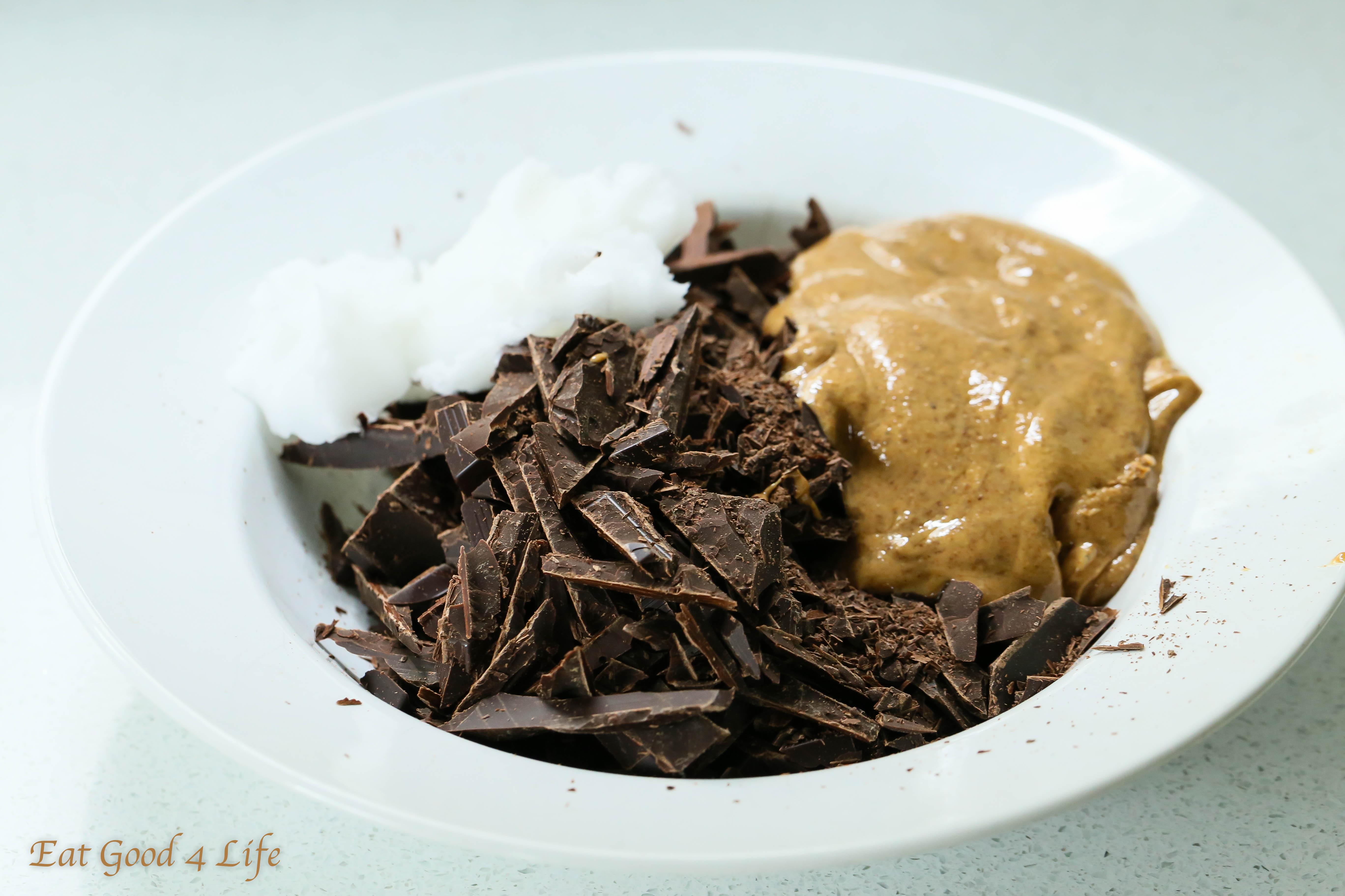 4 ingredient dark chocolate almond butter cookies