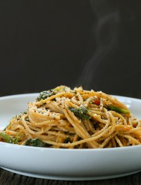 Spinach-pasta-with-tomato-sauce