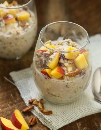 peach-and-cream-overnight-oats