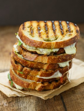 Sun dried tomato spinach grilled cheese sandwich | Eat Good 4 Life