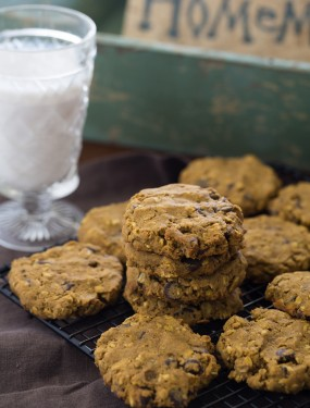 Pumpkin chocolate chip oatmeal cookies | Eat Good 4 Life