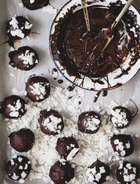 Dark chocolate mint coconut truffles | Eat Good 4 Life