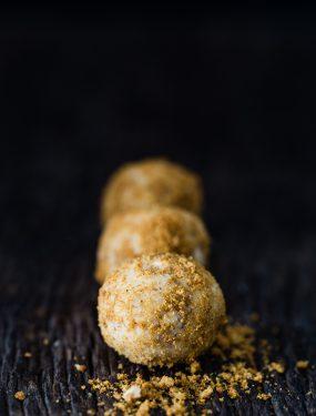 Gingerbread white chocolate truffles | Eat Good 4 Life